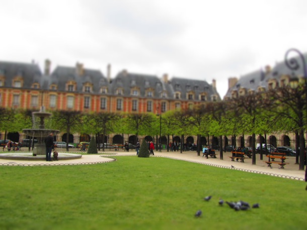 Place des Vosges — so gorgeous!