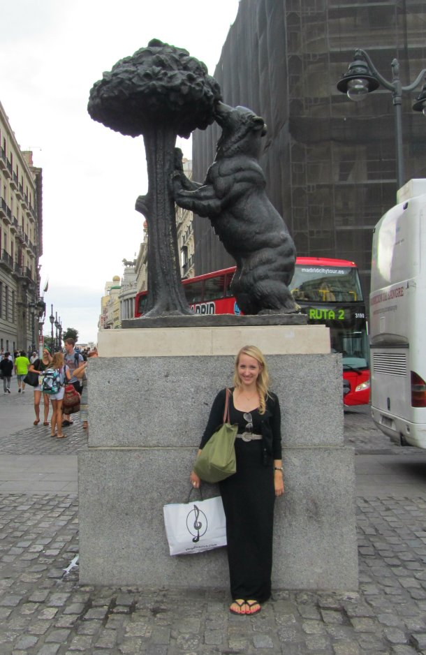 El Oso y el Madrono – This statue is part of Madrid's logo, but took us a while to find!